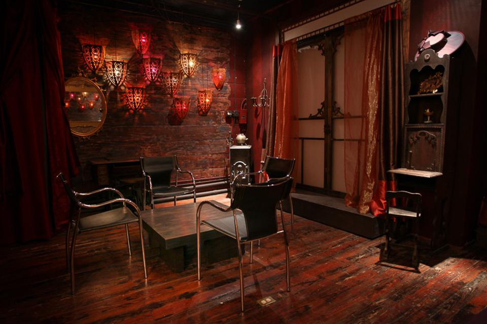 space at Tribeca Artist's Parlour/Meeting room